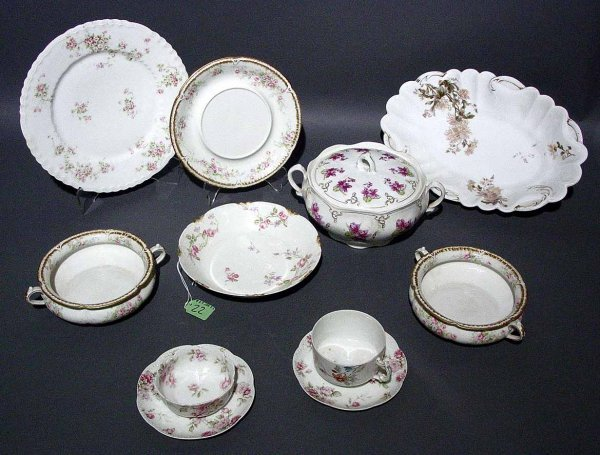22: LOT OF APPROXIMATELY 56 MIXED PATTERN PIECES OF LIM