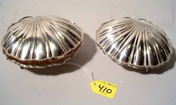 410: PAIR OF STERLING SILVER COVERED NUT DISHES, of sca