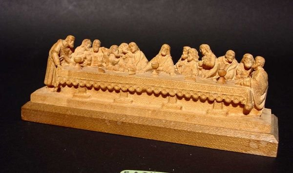 3: INTRICATELY DETAILED WOOD CARVING OF THE LAST SUPPER
