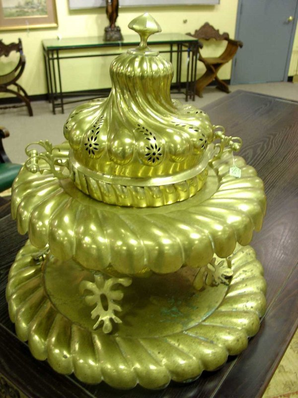 41: LARGE DECORATIVE TURKISH POLISHED BRASS BRAZIER, ha
