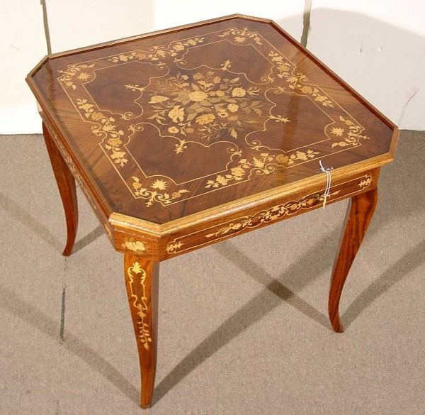 ITALIAN MARQUETRY INLAID AND LACQUERED GAME TABLE