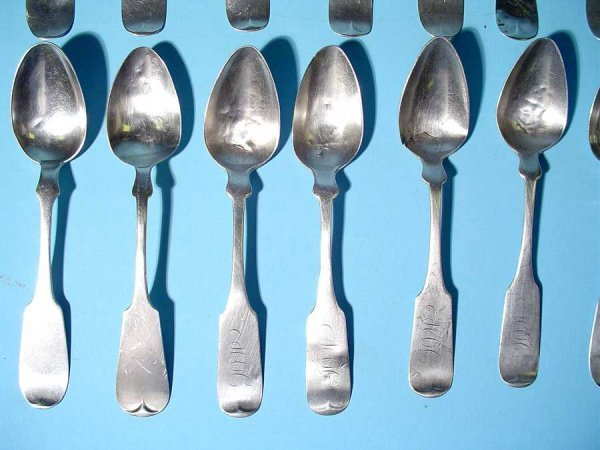 17: LOT OF SIXTEEN AMERICAN COIN SILVER TEASPOONS, 19th - 2