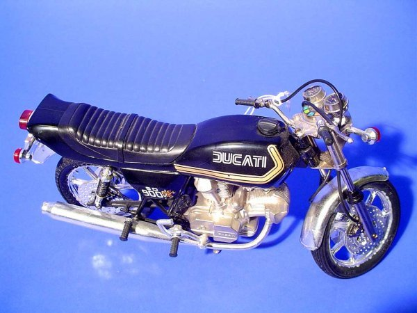 416B: GUILOY DUCATI SD 900 MOTORCYCLE, 1/10 scale model - 2