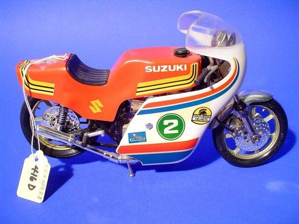 416D: GUILOY SUZUKI RACER MOTORCYCLE, 1/10 scale model,