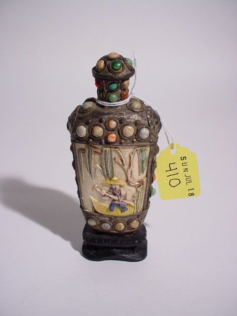 410: BONE AND SILVER METAL SNUFF BOTTLE