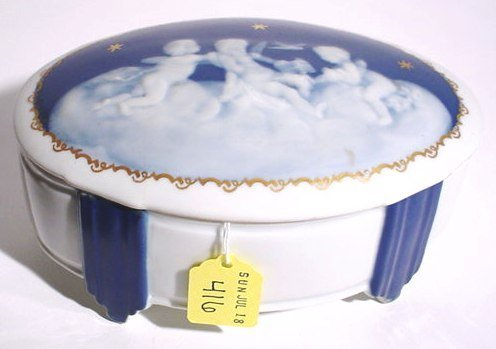 416: PATE-SUR-PATE STYLE DECORATED PORCELAIN OVAL BOX