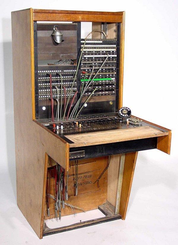 129: EARLY GOLDEN OAK CASED STROMBERG CARLSON TELEPHONE