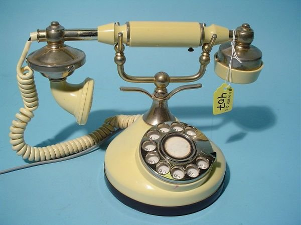 407: FRENCH STYLE ROTARY DIAL IVORINE TABLE TOP TELEPHO