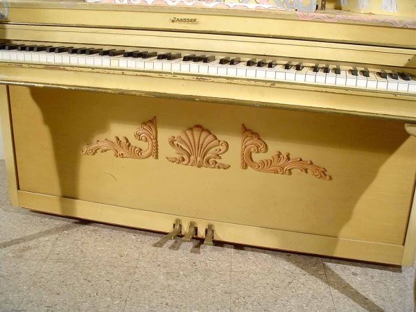 47: DECORATED AND PAINTED LOUIS XV STYLE JANSSEN SPINET - 4