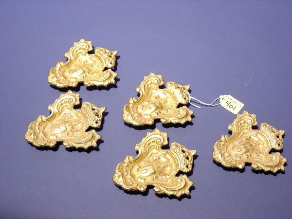 401: SET OF FIVE PORTUGUESE GILDED CHINA HERALDIC CREST