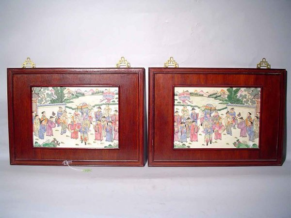 413: PAIR OF CHINESE ROSEWOOD FRAMED DECORATED PORCELAI