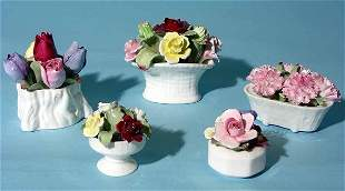 LOT OF FIVE SMALL AYNSLEY DECORATED PORCELAIN FLORA
