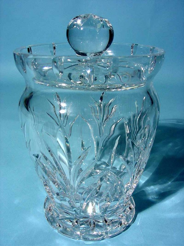20: WATERFORD CUT CRYSTAL BISCUIT BARREL, having a wais