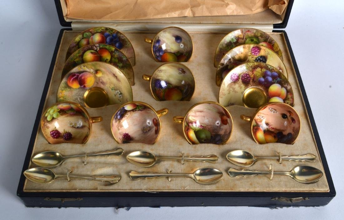 A LOVELY ROYAL WORCESTER CASED FRUIT PAINTED CUPS AND - 2