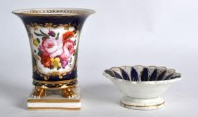 AN EARLY 19TH CENTURY ENGLISH PORCELAIN VASE painted