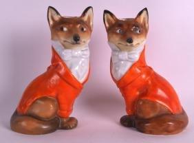 AN EXTREMELY RARE PAIR OF ROYAL BAYREUTH HUNTING FOX