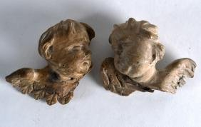 A PAIR OF 18TH/19TH CENTURY SOUTH EUROPEAN CARVED ANGEL