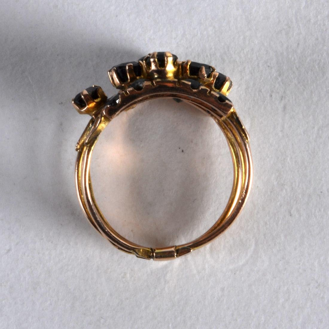 AN ANTIQUE GOLD AND FIVE BAND SAPPHIRE RING. - 2