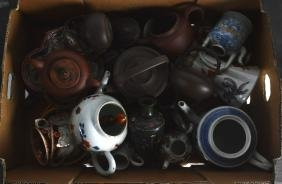 A COLLECTION OF VARIOUS CHINESE QING DYNASTY PORCELAIN