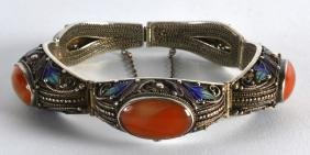 AN EARLY 20TH CENTURY CHINESE SILVER ENAMEL AND AGATE
