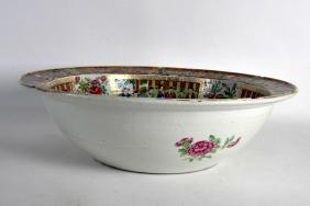 A LARGE 19TH CENTURY CHINESE CANTON FAMILLE ROSE BASIN