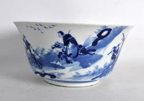 A GOOD 17TH CENTURY CHINESE BLUE AND WHITE PORCELAIN