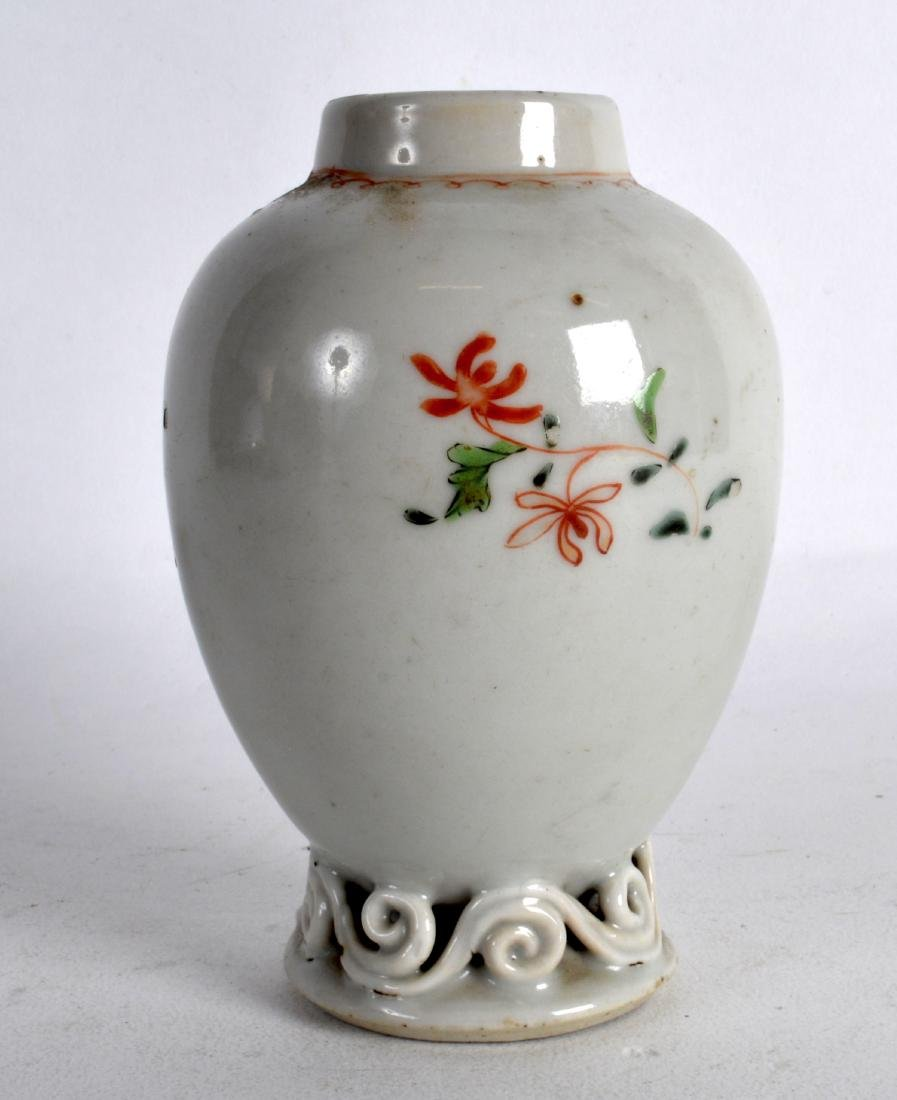 AN 18TH CENTURY CHINESE EXPORT FAMILLE ROSE TEA CADDY - 2