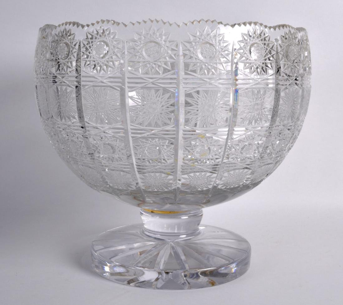 A GOOD LARGE WATERFORD CRYSTAL BOWL decorated with star