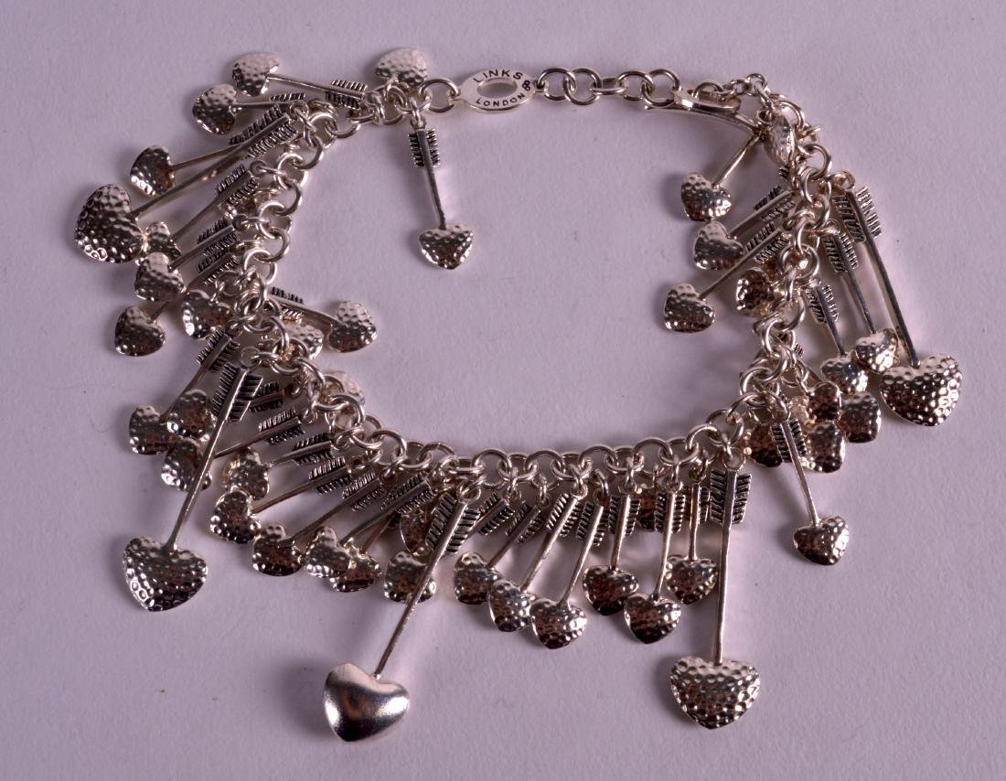A LINKS OF LONDON SILVER BRACELET.