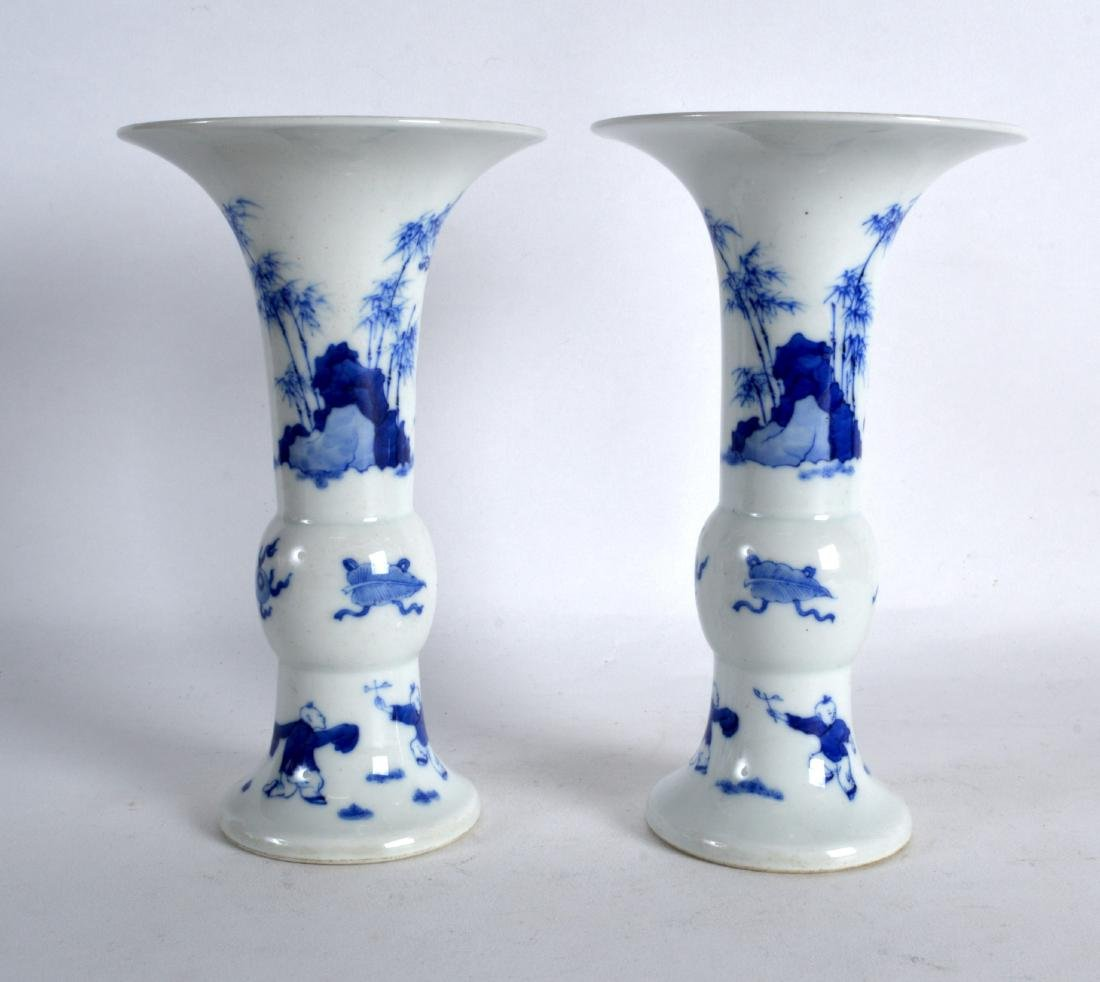 A PAIR OF CHINESE BLUE AND WHITE PORCELAIN GU SHAPED - 2
