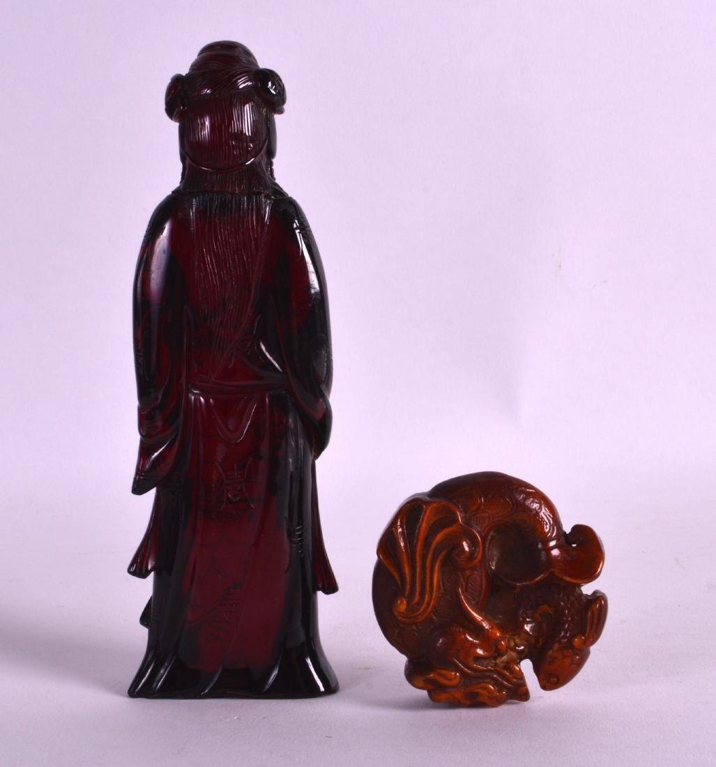AN EARLY 20TH CENTURY CHINESE CARVED RED AMBER FIGURE - 2