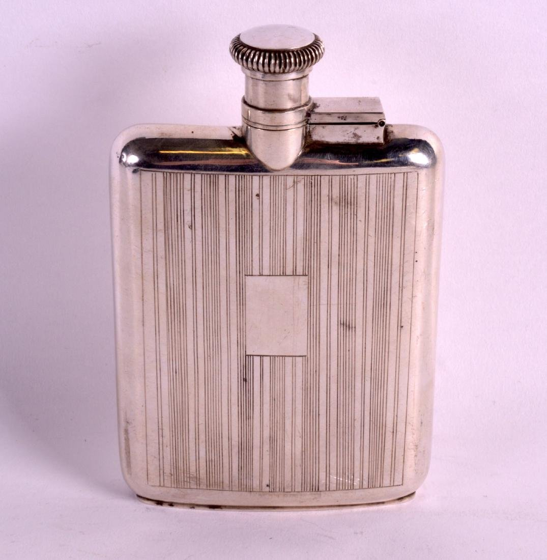 AN UNUSUAL EARLY 20TH CENTURY CHINESE SILVER HIP FLASK - 2