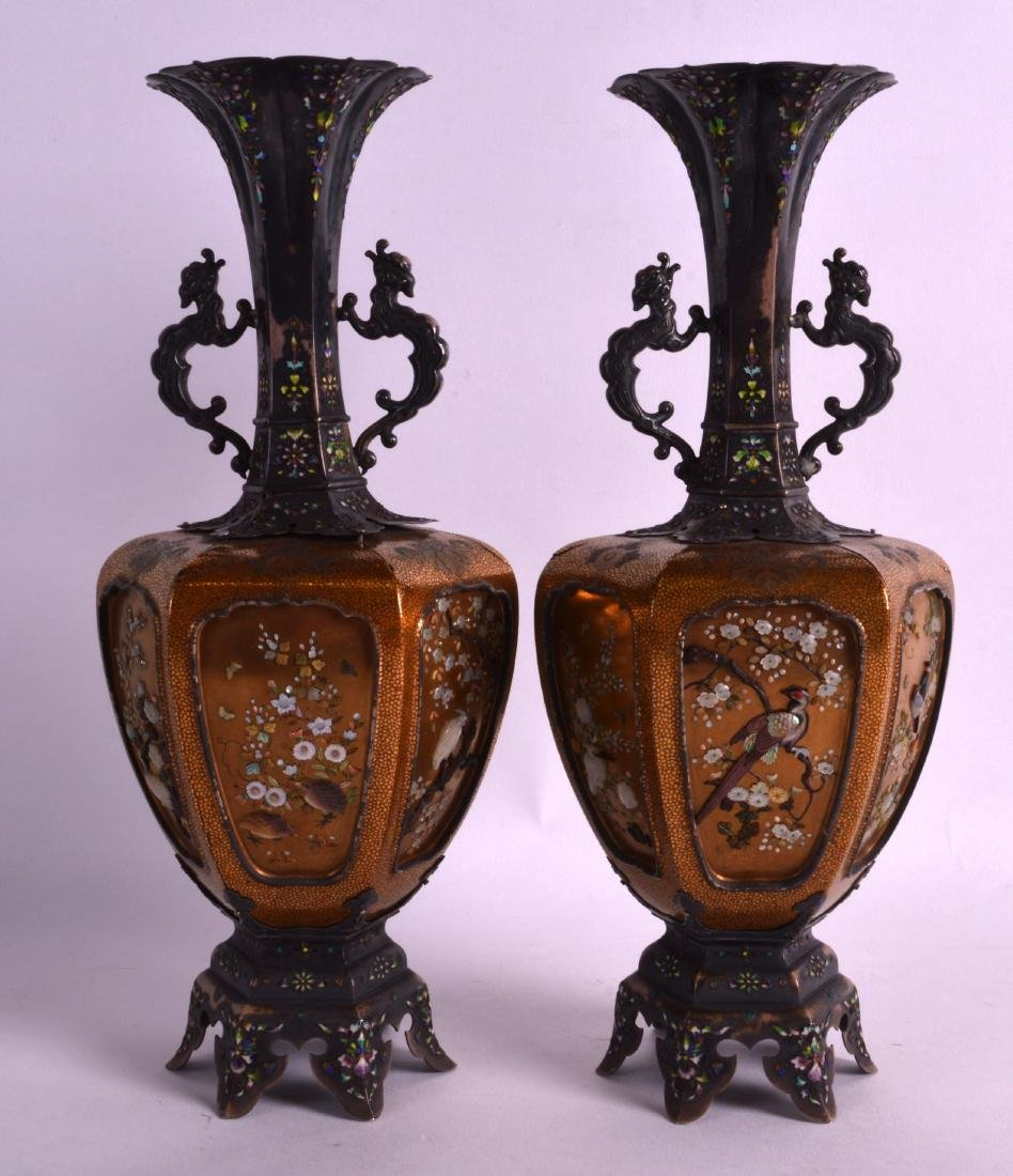 A FINE PAIR OF 19TH CENTURY JAPANESE MEIJI PERIOD