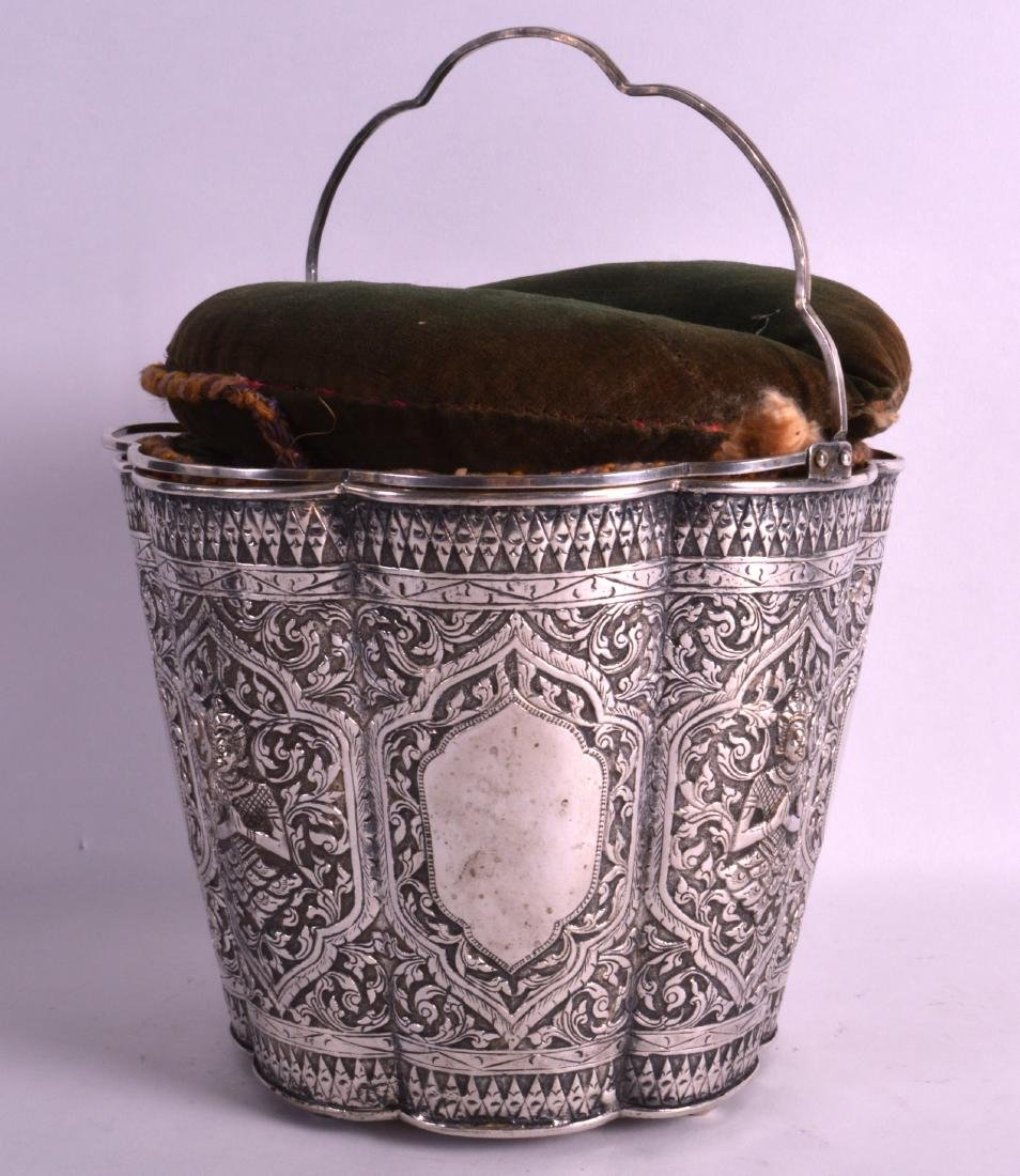 A GOOD 19TH CENTURY SOUTH EAST ASIAN SILVER BUCKET with - 2