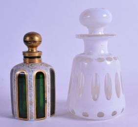 A BOHEMIAN GREEN AND WHITE OVERLAID GLASS SCENT BOTTLE