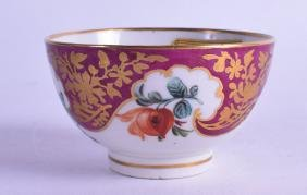 AN 18TH CENTURY WORCESTER TEABOWL, painted with fruit,