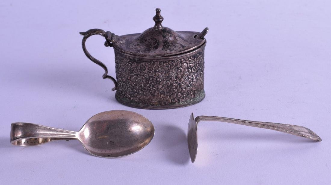 A VICTORIAN ENGRAVED SILVER MUSTARD POT AND COVER