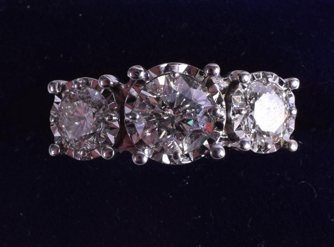 A GOOD LARGE ANTIQUE 18CT YELLOW GOLD AND DIAMOND THREE