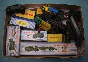 A GOOD COLLECTION OF VINTAGE BOXED DINKY MILITARY CARS