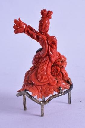 A GOOD EARLY 20TH CENTURY CHINESE CARVED CORAL FIGURE