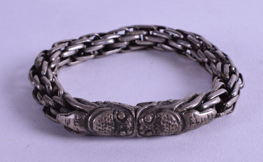 A 19TH CENTURY CHINESE SILVER CHAINLINK BRACELET with