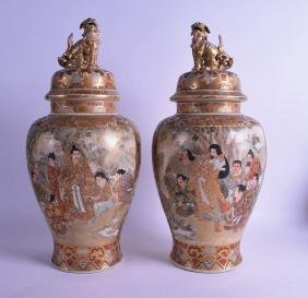 A GOOD LARGE PAIR OF 19TH CENTURY JAPANESE MEIJI PERIOD