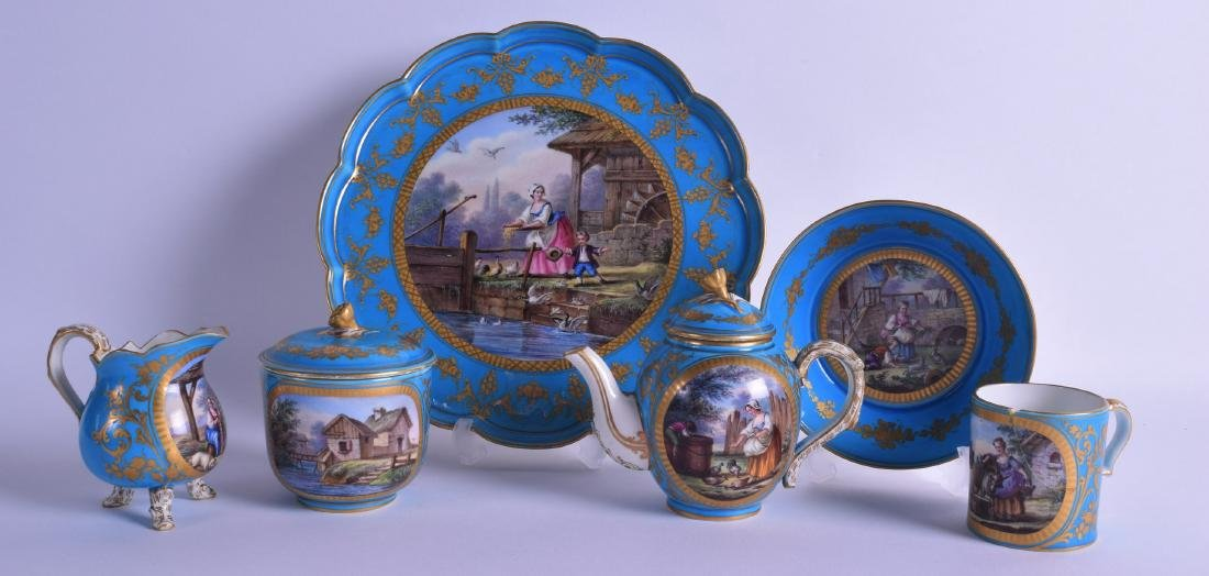 A FINE 18TH CENTURY SEVRES PORCELAIN TEA FOR ONE TEASET