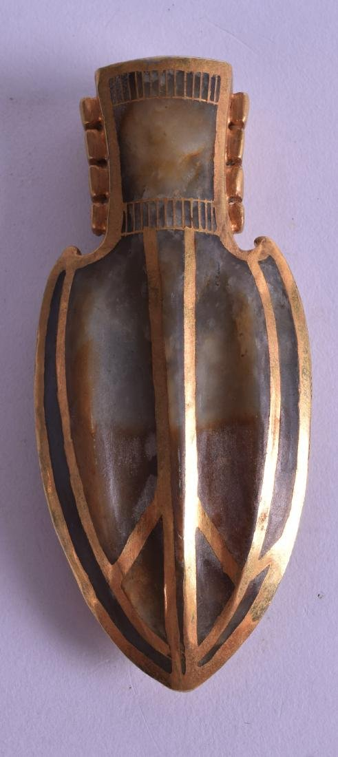 A CHINESE GOLD INLAID JADE BOTTLE decorated with
