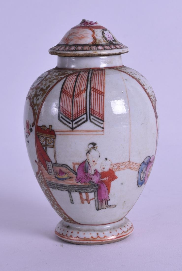 AN 18TH CENTURY CHINESE EXPORT TEA CADDY AND COVER