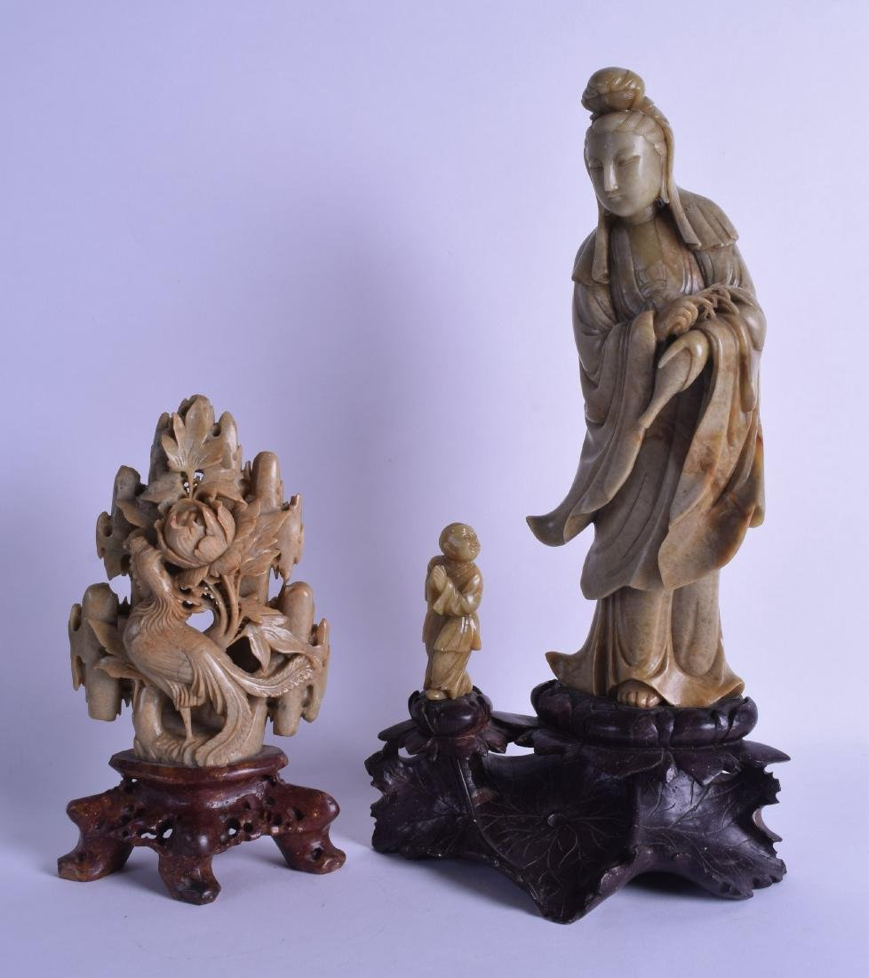 A LARGE LATE 19TH CENTURY CHINESE CARVED SOAPSTONE