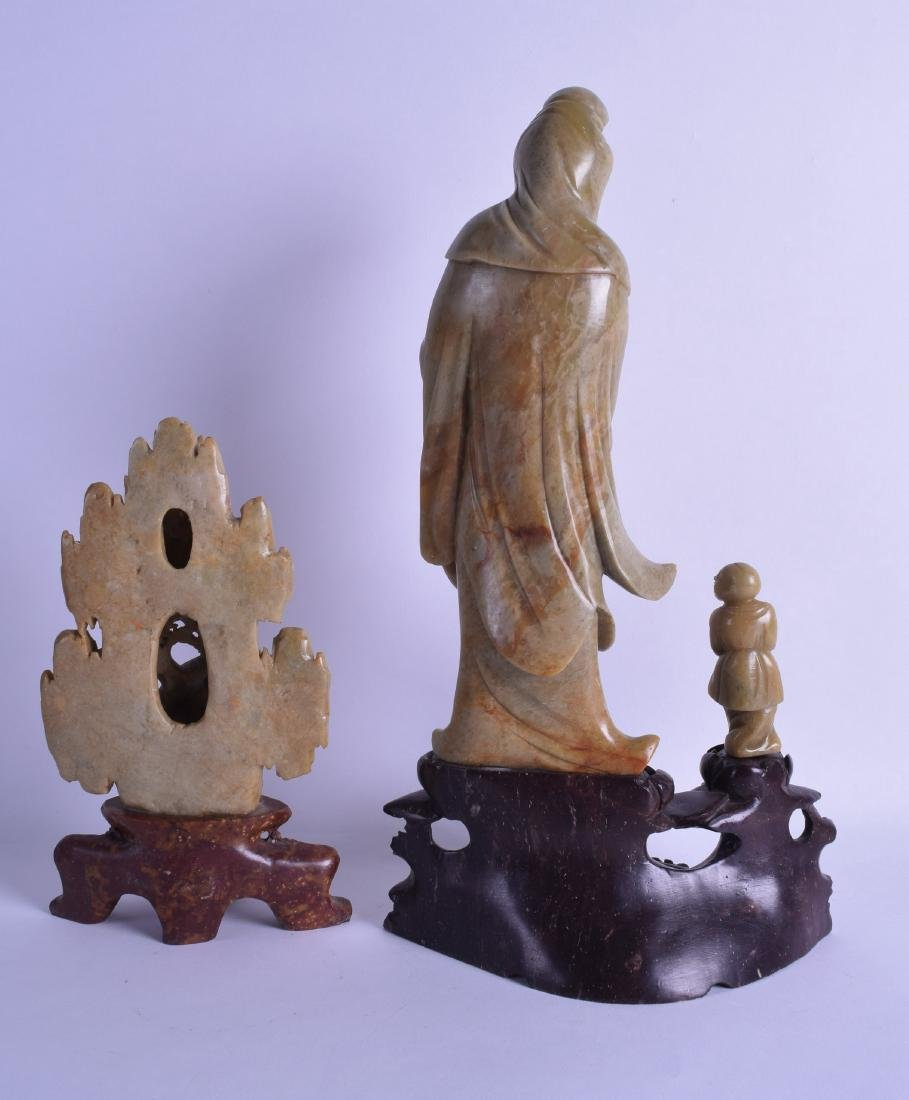 A LARGE LATE 19TH CENTURY CHINESE CARVED SOAPSTONE - 2