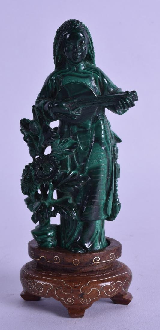 AN UNUSUAL EARLY 20TH CENTURY CHINESE CARVED MALACHITE