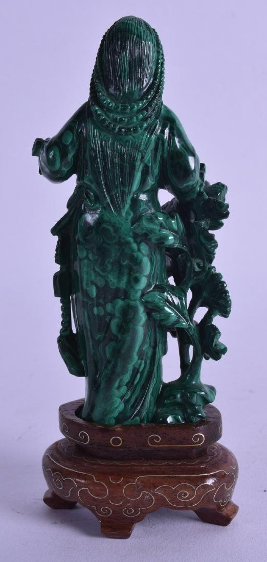 AN UNUSUAL EARLY 20TH CENTURY CHINESE CARVED MALACHITE - 2