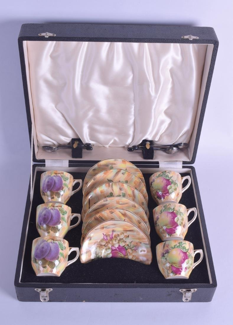 A CASED SET OF BARKER BROTHERS ROYAL TUDOR COFFEE CUPS